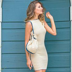 Платье-футляр с контрастной отделкой - схема вязания крючком. Вяжем Платья на Verena.ru