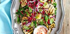 Sałatka z grillowanym bakłażanem i granatem Pasta Salad, Cobb Salad, Kung Pao Chicken, Grilling, Ethnic Recipes, Food, Crab Pasta Salad, Crickets, Essen
