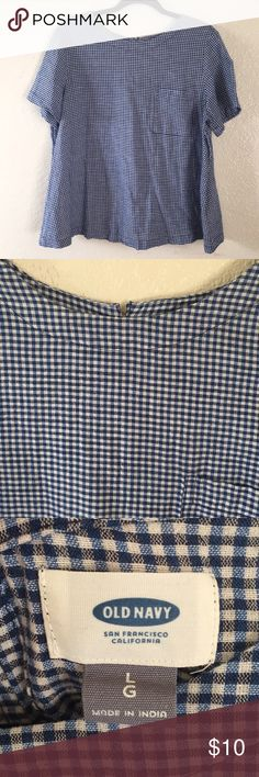 Old Navy trapeze blue gingham blouse L This is a darling Old Navy blue checked gingham trapeze top. It is a cotton/linen blend and feels so nice. Pocket in the front, button closure with pleat in the back. It's only been worn 2 times, give this beauty a new home! Thank you for looking! Old Navy Tops Blouses