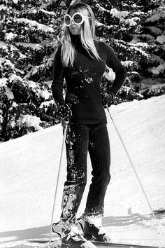 Globe Photos ArtPrints Brigitte Bardot Skiing - X Pop Culture Art Photographic Full Bleed Print - Premium Paper - Retro Bridgitte Bardot, Ski Fashion, Winter Fashion, Troop Beverly Hills, Ski Bunnies, Bunny, Vintage Ski, Apres Ski, Iconic Photos