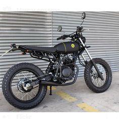 No photo description available. Tracker Motorcycle, Scrambler Motorcycle, Triumph Motorcycles, Custom Motorcycles, Custom Bikes, Dominator Scrambler, Cb350, Motorbike Design, Cafe Racing