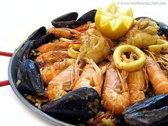 Paella Paella, Custom Cabinetry, Shrimp, Seafood, Spanish Dishes, Greedy People, Recipe, Custom Closets, Sea Food