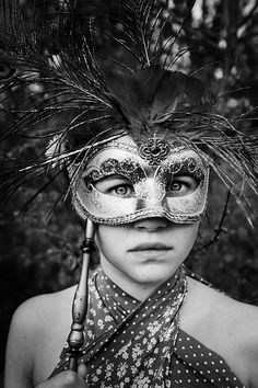 mask-black and white