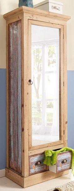 Farbe Griffe: antik braun,  Details:  1 Tür, Tür mit Spiegelfront, 2 Schubkästen, Laufleisten der Schubkästen aus Holz, 1 fester Boden, Ausziehbare Kleiderstange, FSC®-zertifiziert, Front und Füllungen im trendigen Vintage-Look, blau lackiert und gewischt, mit schönem Aufdruck, Sockel, Kranz und Korpus naturfarben gebeizt und lackiert, Die gewollten Gebrauchsspuren geben den Möbeln einen besond...