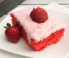 Strawberry Jello Cake with Strawberry Buttercream Frost dessert strawberry Jello Cake Recipes, Strawberry Buttercream Frosting, Cake Mix Recipes, Buttercream Cake, Jello Frosting, Dessert Recipes, Strawberry Jello Cake, Strawberry Desserts, Pastries