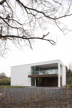 Architectenburo Bart Coenen Te Antwerpen // Architect Van Moderne Woningen.  Minimalist ArchitectureContemporary Architecture.