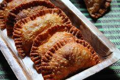 YUMMY TUMMY: Gujiya Recipe / Mawa Ghujiya Recipe - Holi Special Recipes