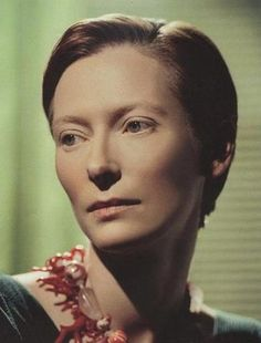 Tilda Swinton is my ideal women. she's tall and glorious, her short hair and masculine clothing only accents her beauty. i wish i could date her.
