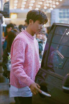 Park Hyung Sik | 박형식 | ZE:A | Child of Empire | D.O.B 16/11/1991 (Scorpio) Park Hyung Sik Hwarang, Park Hyung Shik, Cute Korean, Korean Men, Strong Girls, Strong Women, Asian Actors, Korean Actors, Ahn Min Hyuk