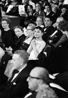 Audrey anxiously awaits the results for Best Actress at the Annual Academy Awards doubly-broadcast from the RKO Pantages Theater in Hollywood and NBC Century TheatreNew York, New York, photo by Ralph Morse, March 1954 Viejo Hollywood, Old Hollywood Glam, Classic Hollywood, Audrey Hepburn Photos, Audrey Hepburn Style, British Actresses, Actors & Actresses, Divas, Roman Holiday