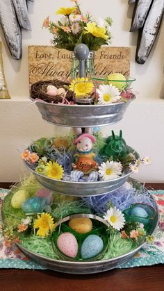 Wonderful Easter Decoration Ideas For Your Inspiration; Easter Table Decoration Ideas With Egg And Bunny; Easter Projects, Easter Crafts, Holiday Crafts, Easter Ideas, Diy Osterschmuck, Easy Diy, Easter Table Decorations, Easter Centerpiece, Easter Season