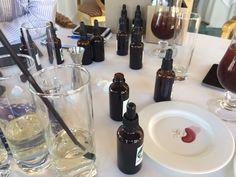 Trabajando con nuestro laboratorio saludable, la nueva coctelería 2015! Alcachofa, espárrago, manzana.....Empiezan las combinaciones saludables!!! www.healthouse-naturhouse.com #coctelería #healthouse