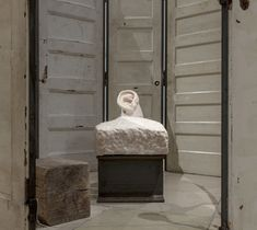 Louise Bourgeois (París, 1911 – Nueva York, 2010) creó un conjunto de obras con múltiples formas, materiales y tamaños.