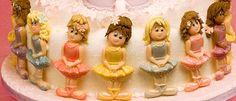 Karen Davies Cake Decorating Moulds / molds. Free beginners tutorial / h... Purple Dessert Tables, Purple Desserts, Pink Sweets, Cake Decorating For Kids, Cake Decorating Icing, Cake Decorating For Beginners, Karen Davies Moulds, Cake Mix Muffins, Ballerina Cakes
