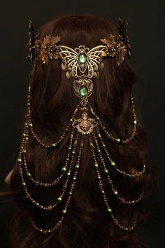 Handmade unique Headpieces und Accessoires by Zerrenety elvish headdress ♥ Head Jewelry, Cute Jewelry, Trendy Jewelry, Jewellery, Fantasy Gowns, Fantasy Hair, Fantasy Makeup, Accesorios Casual, Fantasy Jewelry