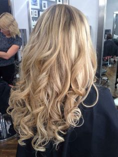 Blonde weave and the glamorous loose casual Thursday curl. GHD miracles