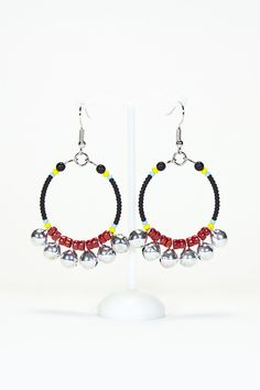 Boucles d'oreilles créoles corail et grelots #gadhorre #jewelry