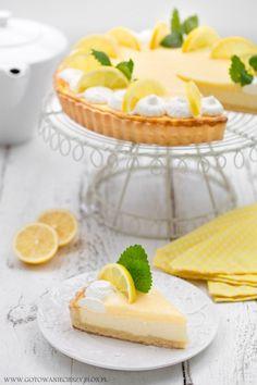 Cytrynowa tarta sernikowa (z lemon curd) Lemon Desserts, Lemon Recipes, Cake Recipes, Food Cakes, Cupcake Cakes, Lemon Cheesecake, Polish Recipes, Lemon Curd, Food And Drink