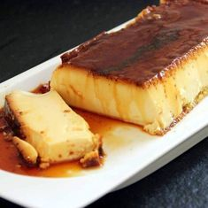 Recipe for crème caramel, egg custard, Extremely simple to prepare. Classic dessert that reminds us of our childhood Creme Caramel, Flan Au Caramel, Flan Dessert, Creme Dessert, French Desserts, Easy Desserts, Delicious Desserts, Desserts With Biscuits, Thermomix Desserts