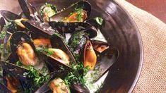 Rimelig luksus, kaller Lise Finckenhagen denne blåskjellretten, som kan være både forrett og hovedrett. Mussels, Scallops, Clams, Eggplant, Sprouts, Main Dishes, Vegetables, Food, Seared Scallops