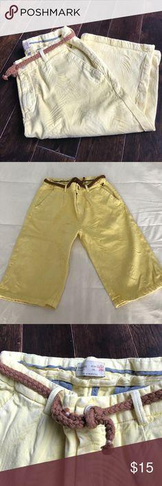 Boys ZARA yellow Bermuda Shorts size 11 / 12 Yellow with print -see last pic- size 11/12 Bermuda shorts boys Zara Bottoms Shorts