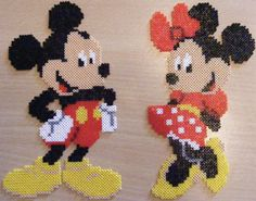 Mickey and Minnie Hama Beads Disney, Perler Bead Disney, Diy Perler Beads, Perler Bead Art, Melty Bead Patterns, Pearler Bead Patterns, Perler Patterns, Beading Patterns, Pixel Art