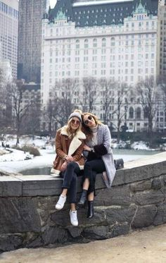 New York City Central Park, friendship picture New York City Pictures, New York Photos, New York Outfits, City Outfits, Best Friend Pictures, Friend Photos, New York Winter Outfit, Photographie New York, Winter Outfits For Teen Girls