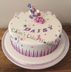 Daisy Duck birthday cake Daisy Duck Cake, Daisy Duck Party, Daisy Cakes, Twin First Birthday, Minnie Birthday, Birthday Cake Girls, Birthday Cakes, Kids Party Menu, Party Ideas