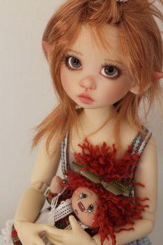 JpopDolls.net ™::Dolls::Kaye Wiggs Dolls::Gracie::Gracie Elf in Fair skin on tobi body