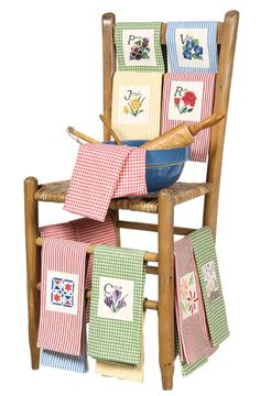 Smart Retailer Magazine - Display Gallery - Cheers for Chairs!