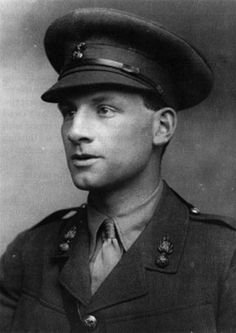 """Siegfried Sassoon MC Author and Poet - """"Memoirs of a Fox Hunting Man"""", """"Memoirs of An Infantry Officer and Sherston's Progress"""" and Battalions RWF. Romantic Pictures, Old Pictures, World War I, World History, Vintage Photographs, Vintage Photos, Wilfred Owen, Bloomsbury Group, French History"""