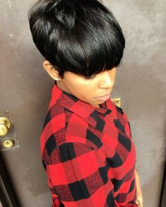 """How to style the Pixie cut? Despite what we think of short cuts , it is possible to play with his hair and to style his Pixie cut as he pleases. For a hairstyle with a """"so chic"""" and pointed… Continue Reading → Black Girls Hairstyles, Pixie Hairstyles, Pixie Haircut, Relaxed Hairstyles, Prom Hairstyles, Hairstyle Ideas, Haircuts, Hair Ideas, Short Hair Cuts"""