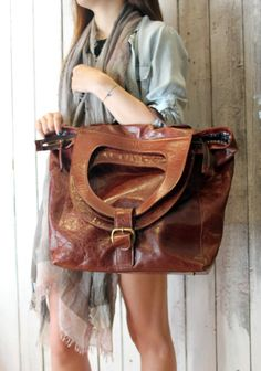 MODE BAG a beautiful handmade Italian Vintage Brown Leather bagluggage di LaSellerieLimited su Etsy