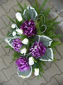 DLA TYCH CO ODESZLI... na Stylowi.pl Funeral Sprays, Funeral Flowers, Black Flowers, Floral Arrangements, Flower Arrangement, Ikebana, Diy And Crafts, Floral Wreath, Easter