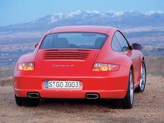 Porsche 911 Carrera 4 Coupe (2006 – 2008).