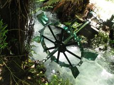 The water-wheel generator in the rapids Water Wheel Generator, Water Turbine, Water Wheels, Alternative Energy, Aquaponics, Homestead, World, Diy, Bricolage