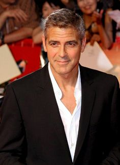 I admit, I'm not a big George Clooney fan, but I have a dear friend who is. So, Heather, this George's for you :) by annmarie George Clooney, Amal Clooney, Most Handsome Actors, Handsome Male Models, Richard Gere, Hot Men, Sexy Men, Gorgeous Men, Beautiful People