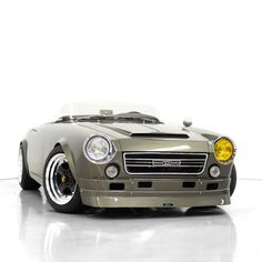 Meet the ⭐️ of SEMA The 1966 custom build Datsun Roadster by and Unless you've been living in a… Vintage Cars, Antique Cars, Sema 2019, Datsun 1600, Datsun Roadster, Toyota Mr2, Mini Trucks, Japanese Cars, Car Photos