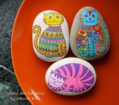 For all my cat-lover friends #cat #paintedstones