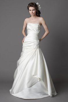 Chic sleeveless trumpet / mermaid floor-length bridal gowns