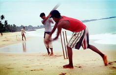 Beach Cricket, Tangalle, Southern Province, Sri Lanka (www.secretlanka.com)
