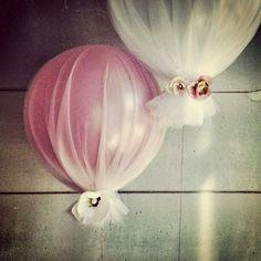 Pretty Balloon Decoration idea for a Princess Party