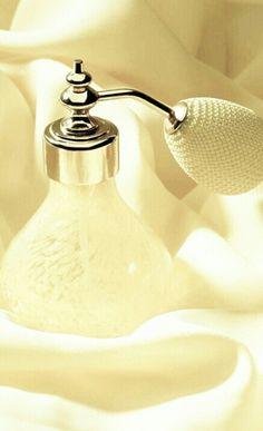 Pale Yellow Perfume Atomizer