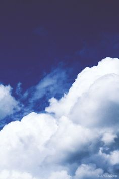 Very thick clouds in this white & blue skyscape.  #cloud #clouds #cloudscape #cloudgallery www.lumick.nl