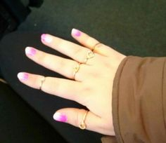 Pink gradient nails so cute ❤