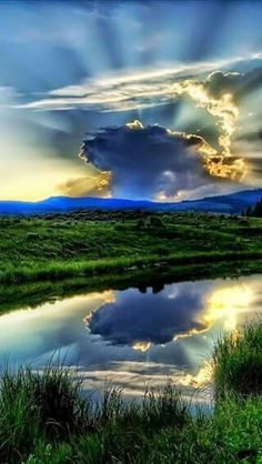 Beautiful Scenery ♥ Heart in the clouds! Beautiful Sky, Beautiful Landscapes, Beautiful World, Beautiful Places, Beautiful Scenery, Amazing Places, All Nature, Amazing Nature, Pretty Pictures