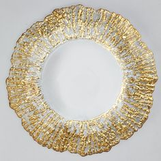 Celebrate your style! Create a stylish table setting with a charger plate. Use as is for a simple touch or embellish it to fit your occasion. Event Decor Direct, Gold Chargers, Charger Plates, Wedding Table Centerpieces, Glass Material, Gold Glass, Napkins Set, Tablescapes, Mirrors