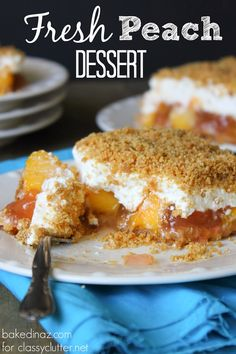 Fresh peach cobbler dessert I will substitute vanilla wafers instead of using graham crackers for topping. Fruit Recipes, Baking Recipes, Dessert Recipes, Nutella Recipes, Yummy Treats, Sweet Treats, Yummy Food, 13 Desserts, Profiteroles