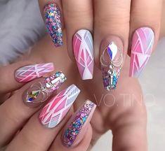 Spring Design using ombré color and glitter from Cynthia Sintay - Nail Art Desing Crazy Nails, Love Nails, Fun Nails, Beautiful Nail Designs, Cute Nail Designs, Creative Nail Designs, Creative Ideas, Stylish Nails, Trendy Nails