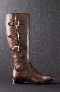 Oh gorgeous boot...get on my feet!  http://rstyle.me/n/dfk8rnyg6